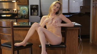 Voracious blonde babe Tysen Rich uses a vibrating toy and her talented fingers to delight her...