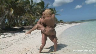 Britney bitch having dirt sex  on the beach